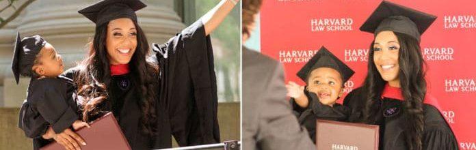 Mãe solteira se forma em Harvard com seu bebê nos braços