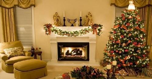 Colocar decorações de Natal com antecedência é sinônimo de felicidade, afirma estudo