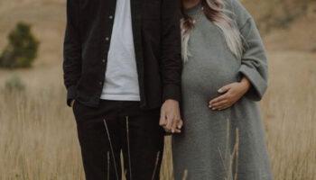 Jovem casal descobre que são irmãos quando vão ter seu primeiro filho