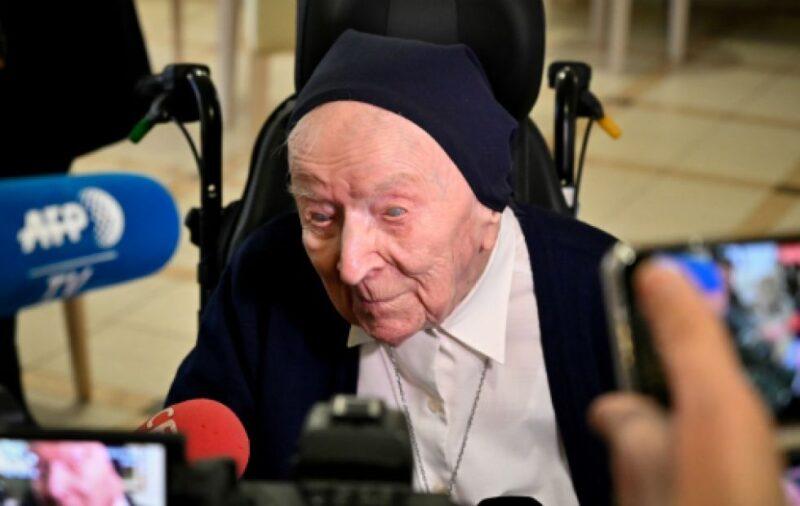 Freira de 116 anos vence a Covid-19 e se prepara para completar 117 anos