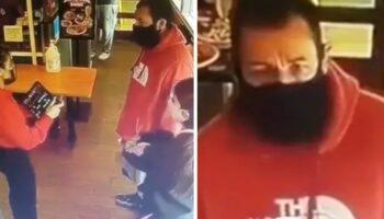 Garçonete rejeita acidentalmente Adam Sandler em um restaurante, não havia espaço para sentar